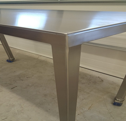 stainless steel rolling clean room table with beveled edges