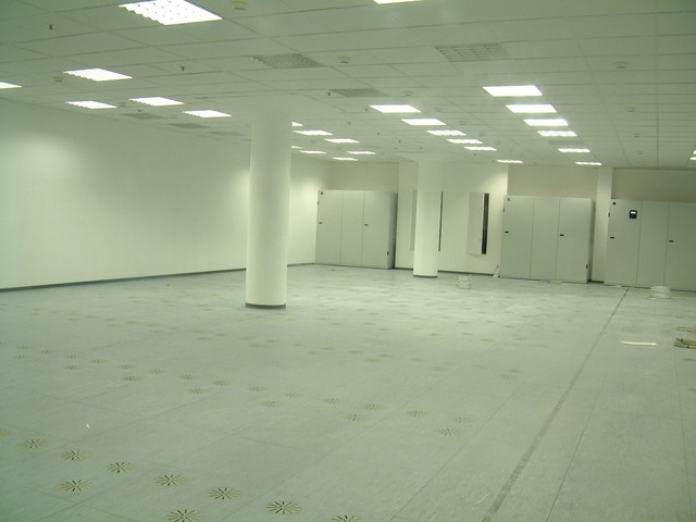 server-room raised floor system